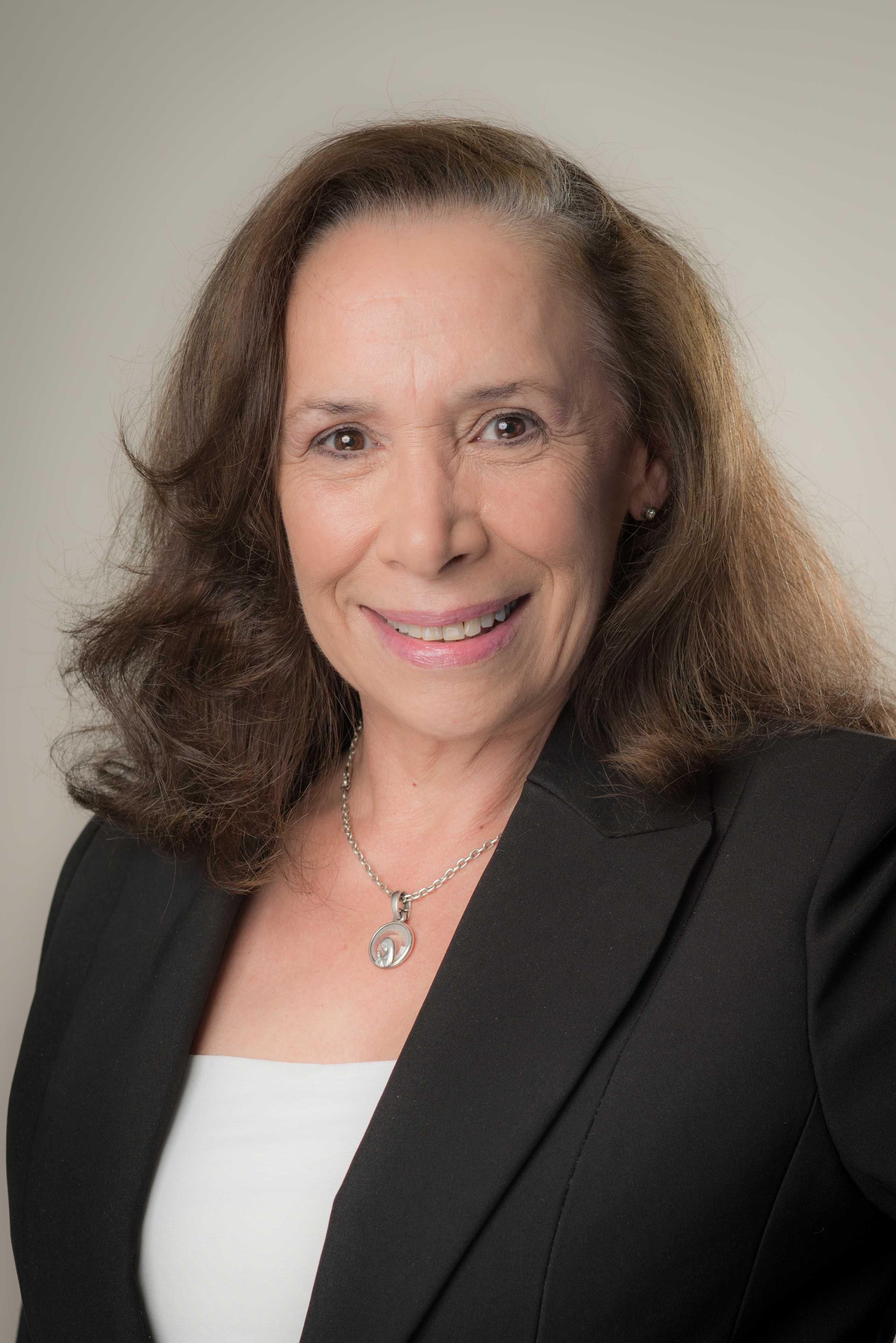 Ana Claudia Tessada