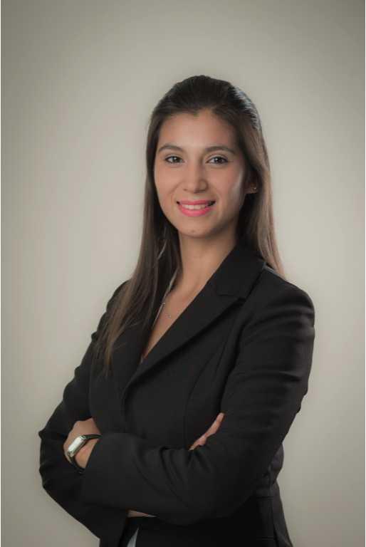 Laura  Araya